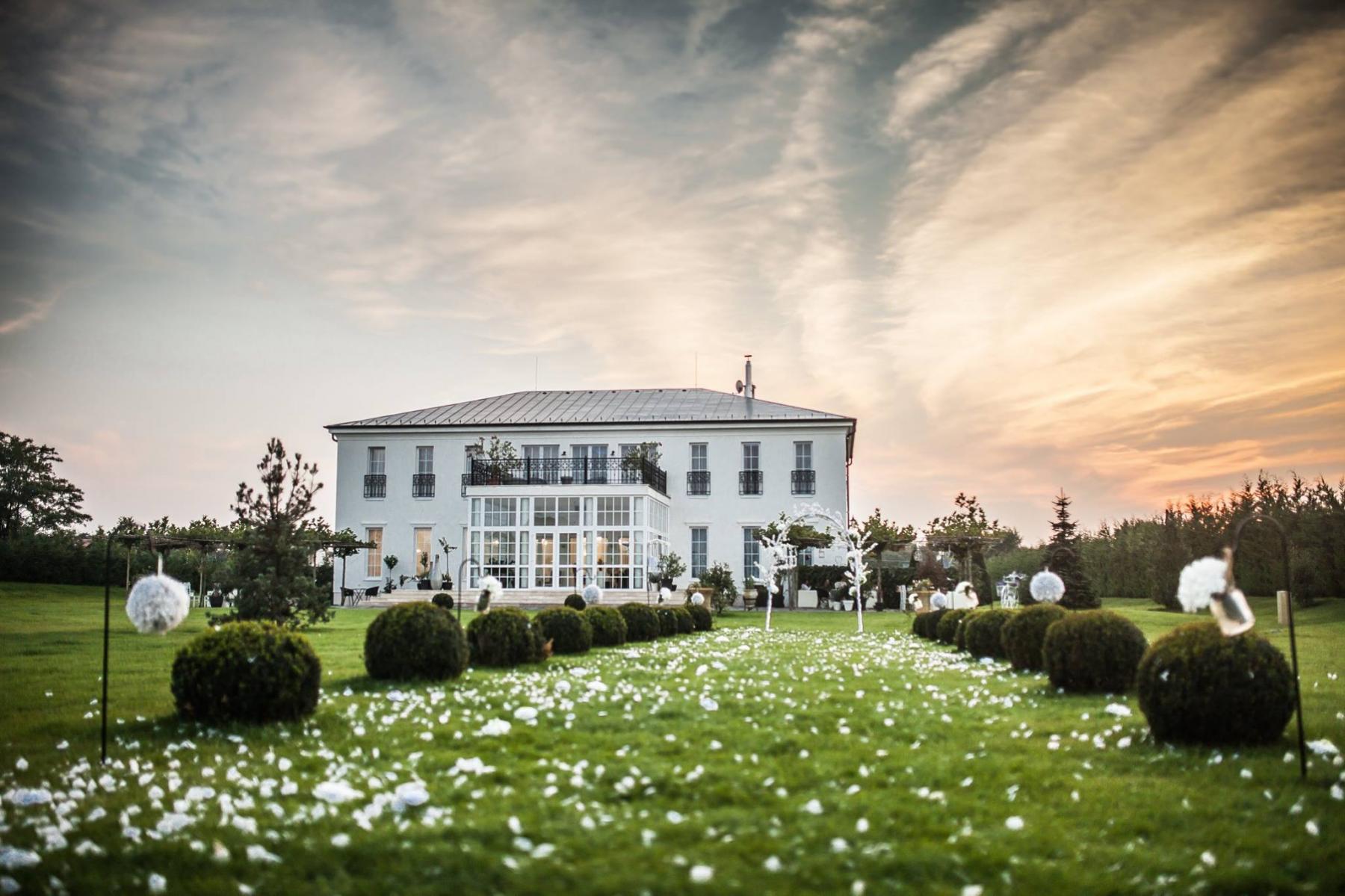 Le Ti Kúria - Magyarország legromantikusabb fotós helyszínei - NextFoto